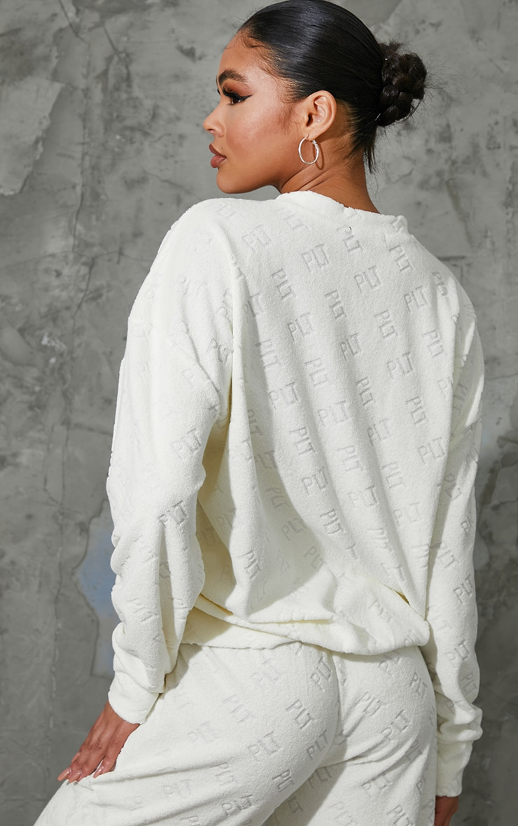 PRETTYLITTLETHING Cream Embossed Towelling Sweater 2