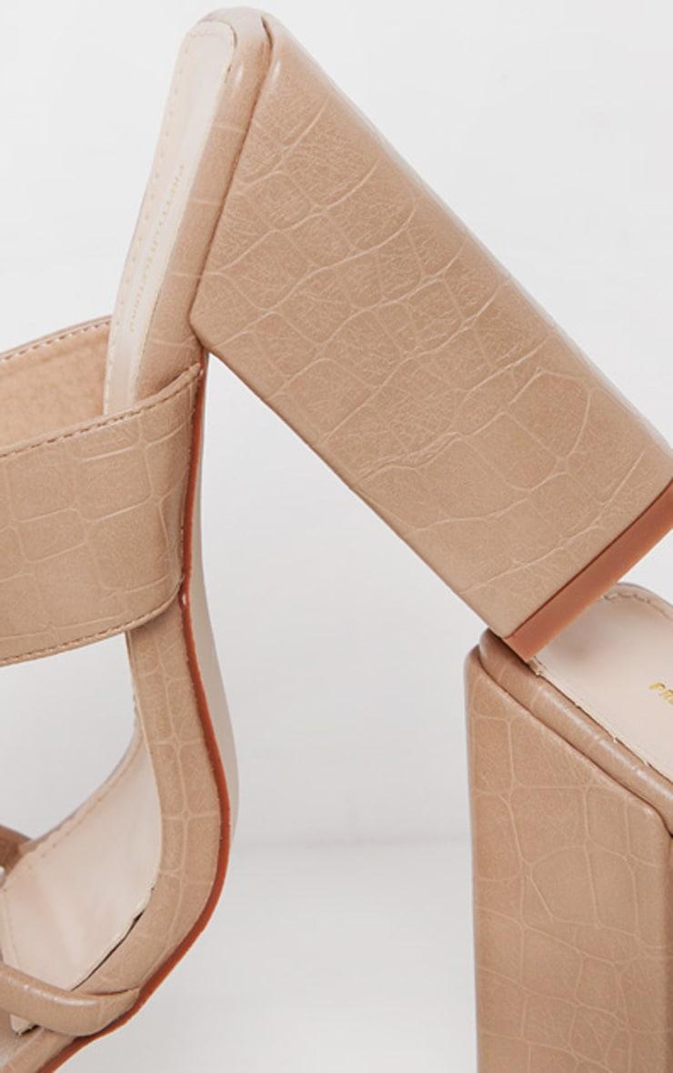 Sandales nude à bride orteil et gros talon chunky 4