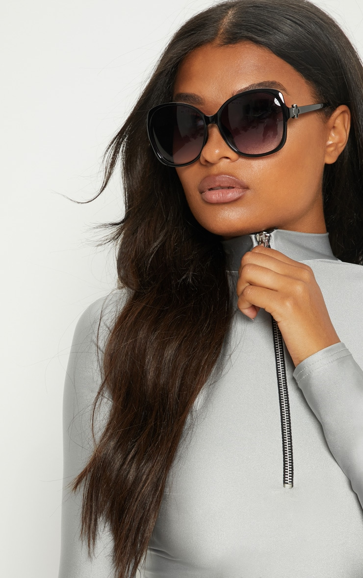 Black Oversized Frame Sunglasses 1