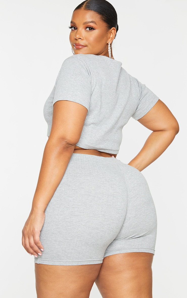 PRETTYLITTLETHING Plus Grey Ribbed Short Sleeve Crop Top 2