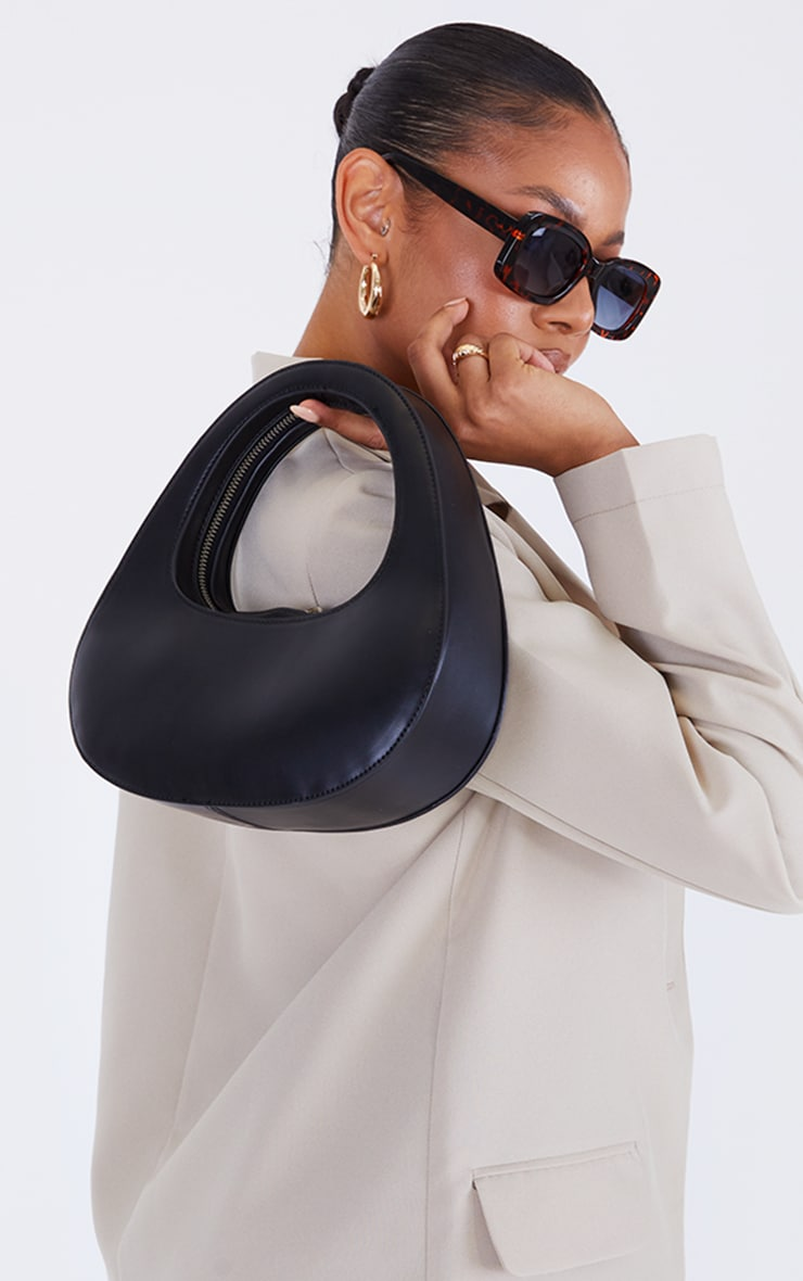 Black Padded Oval Grab Bag 1