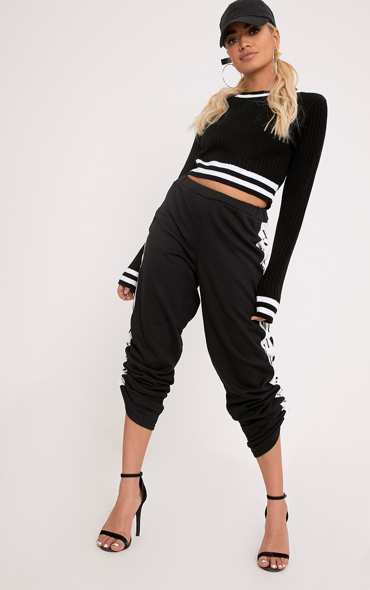Zofia Black Tipped Knitted Crop Top 4
