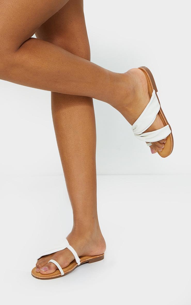 White PU Toe Loop Pull Over Detail Flat Mule Sandals 2