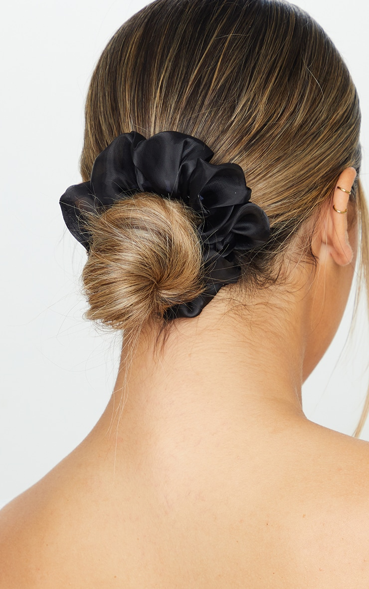 Black And White Organza Scrunchies 1