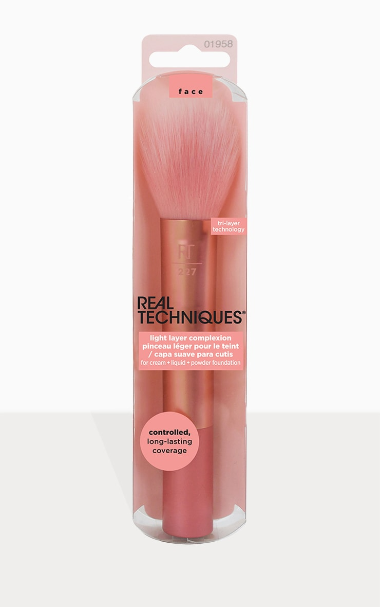 Real Techniques Light Layer Powder Brush 1