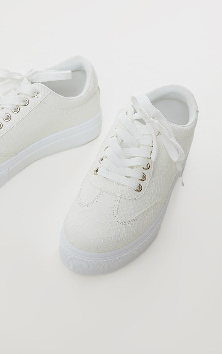 Baskets lacées blanches en croco à plateforme 4