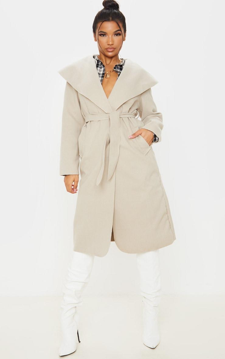 Manteau oversize effet cascade beige à ceinture 1