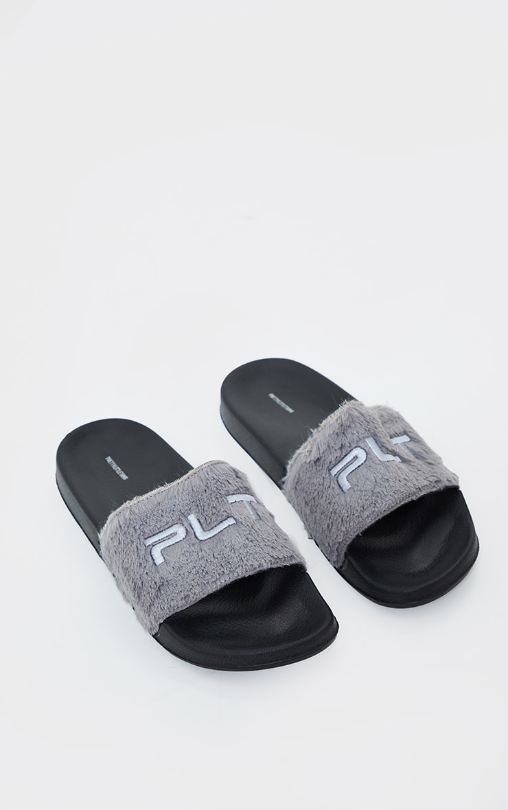 PRETTYLITTLETHING Grey Short Faux Fur Slides 3