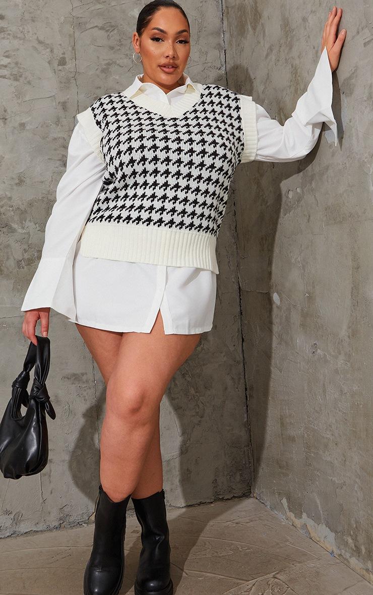 Plus Monochrome Dogstooth V Neck Knitted Side Split Vest 3