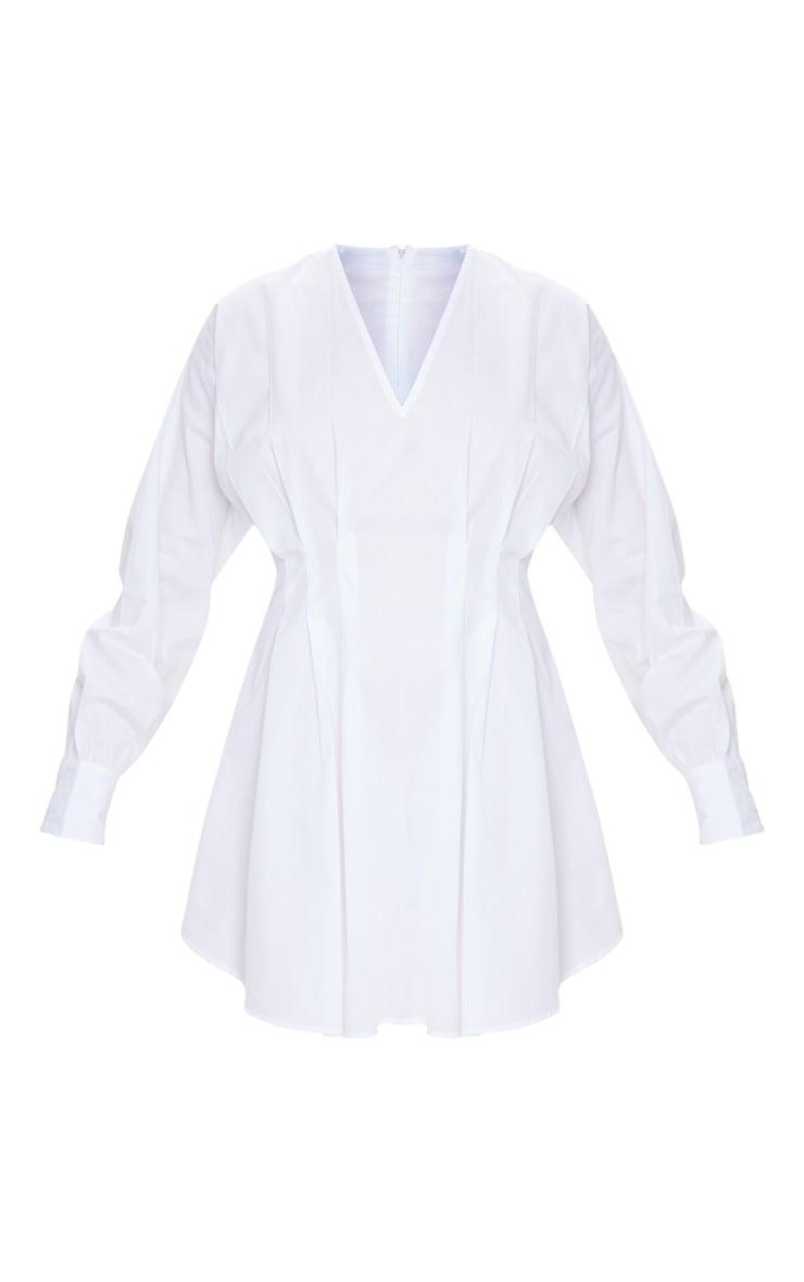 فستان أبيض منسوج برقبة على شكل V وطيات الخصر 5