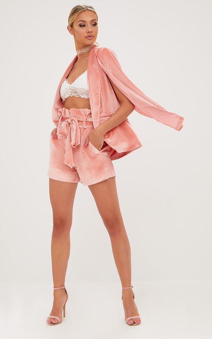 Blazer cape en velours rose 4