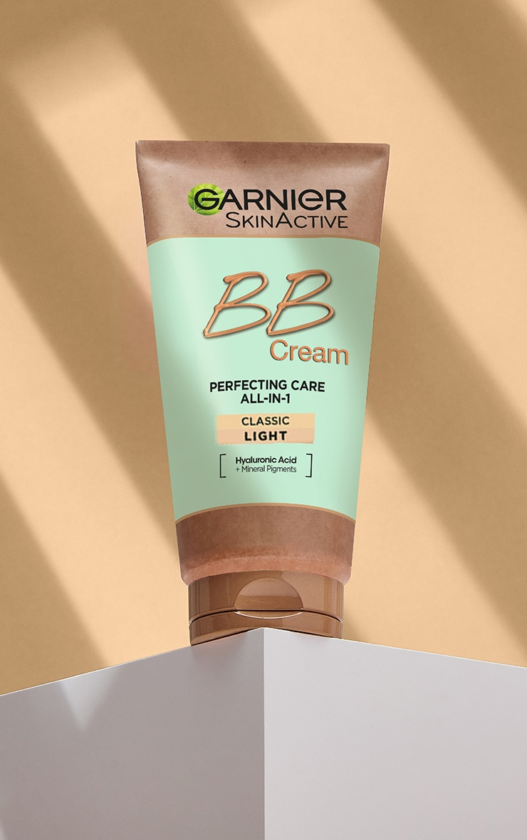 Garnier Oil-Free Perfecting All-in-1 BB Cream Shade Light Tinted Moisturiser SPF 25 50 ml image 3