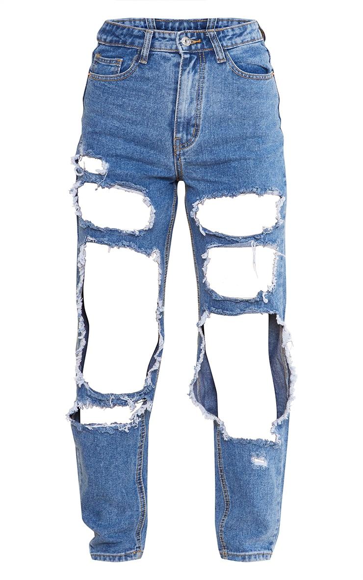 بنطلون جينز أزرق متوسط بقصة موم واسعة وفتحات ممزقة فوق الركبة من PRETTYLITTLETHING 5