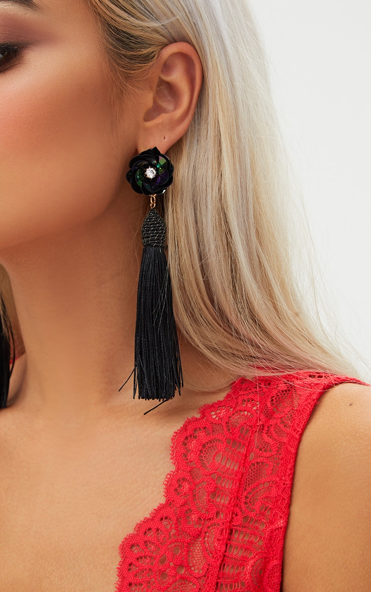 Black Floral Stud Tassel Earrings 4