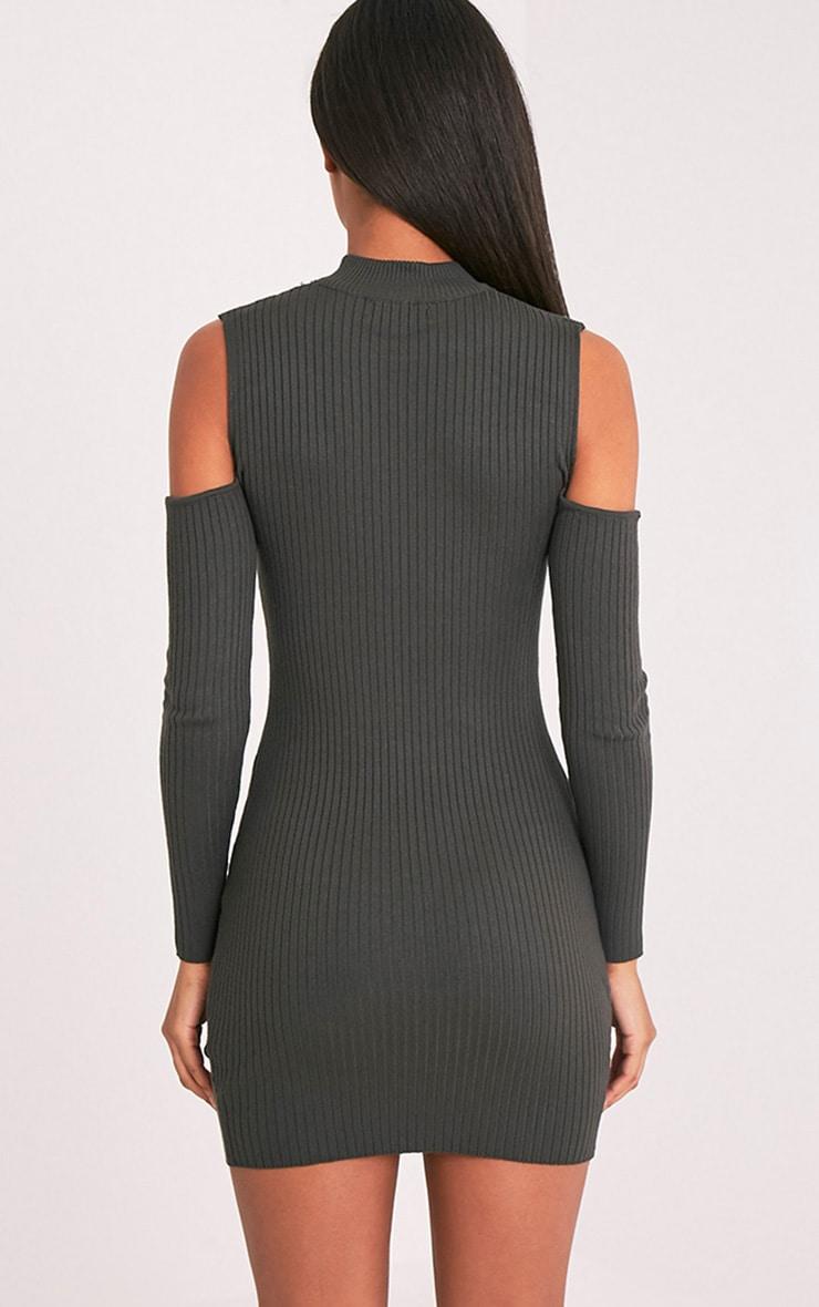 Ysabel robe mini tricotée kaki côtelée à épaules découvertes 2