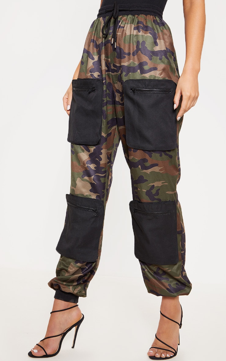 Green Camo 3D Pocket Detail Cargo Trousers 2