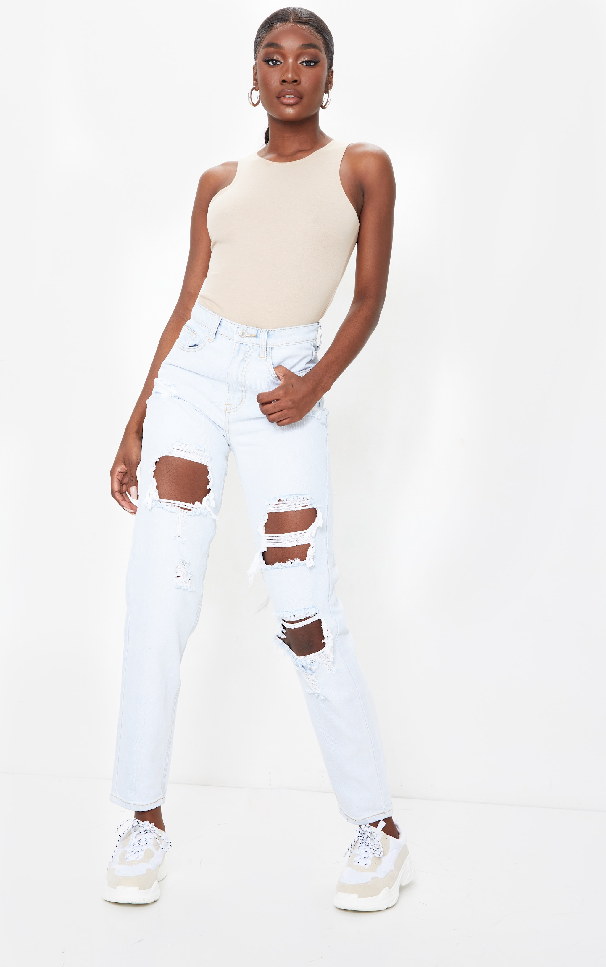 PRETTYLITTLETHING Tall Bleach Wash Distressed Mom Jean 1