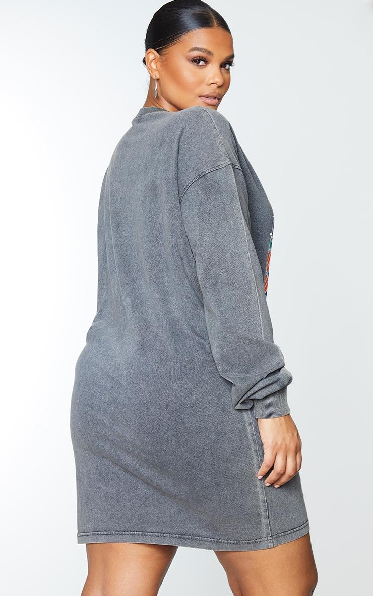 PRETTYLITTLETHING Plus Charcoal Worldwide Slogan Print Sweater Dress 2