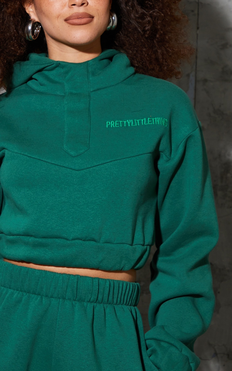 PRETTYLITTLETHING Forest Green Embroidered Elastic Hem Cropped Hoodie 4