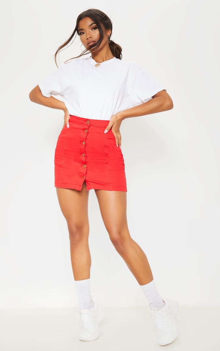 Minijupe en jean rouge boutonnée 5