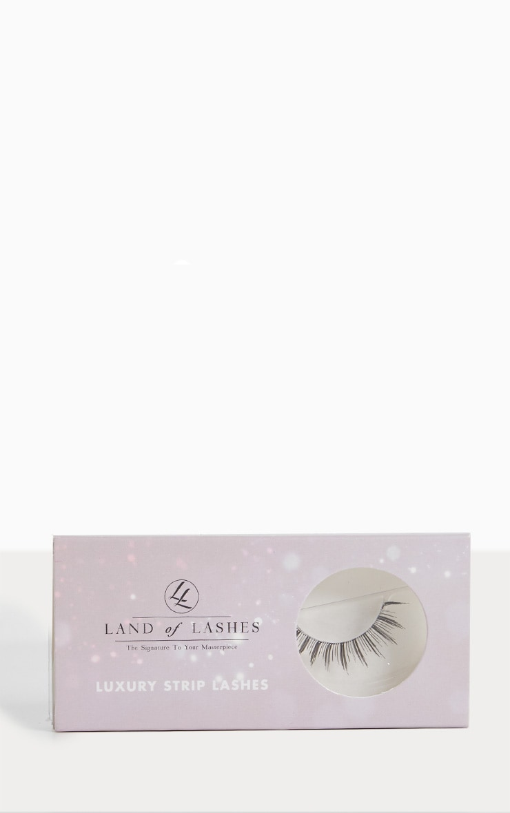 Land of Lashes LUXURY STRIP LASH LW03 1