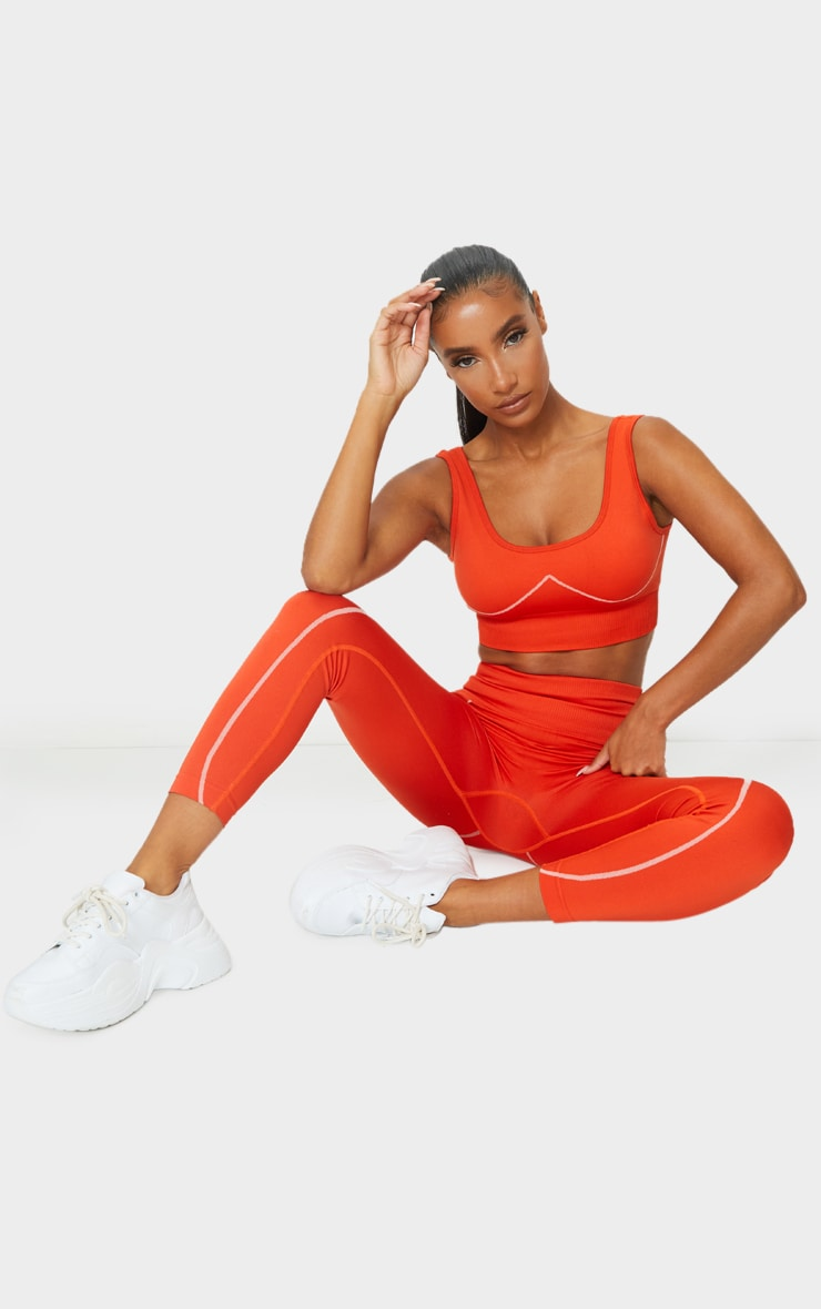 Red Seamless Detailed Sports Bra 3