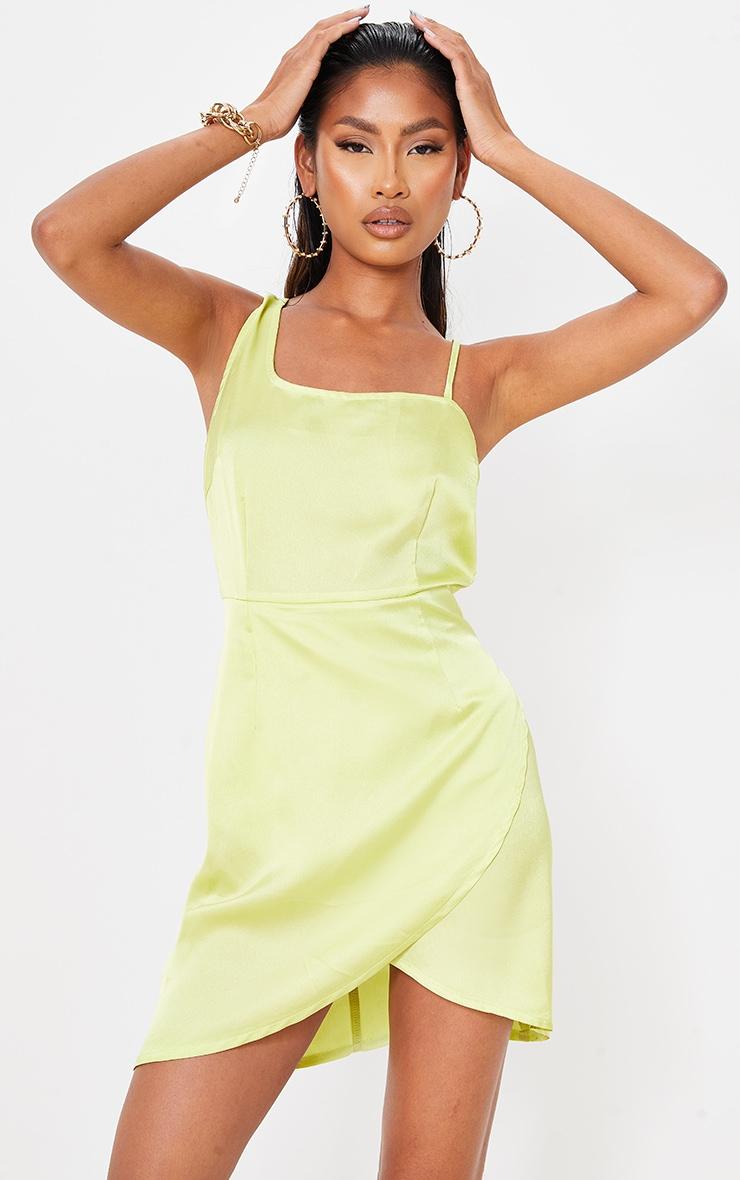Robe satinée vert citron asymétrique à col bénitier et jupe portefeuille 1