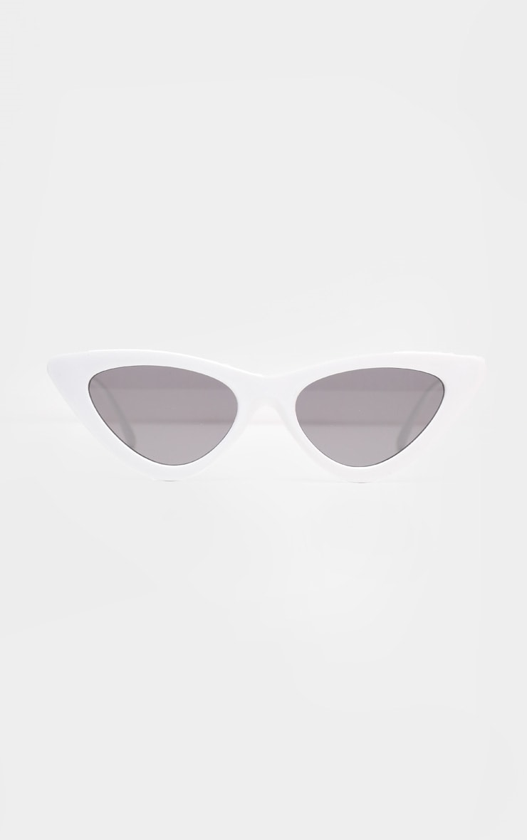White Retro Cat Eye Sunglasses 2