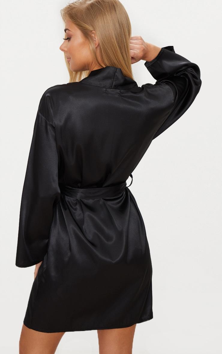 Robe de chambre satinée noire 2
