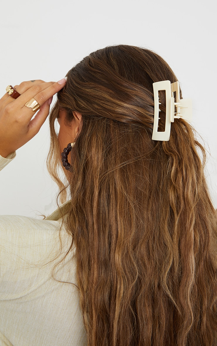 Cream Cut Out Square Hair Clip 1