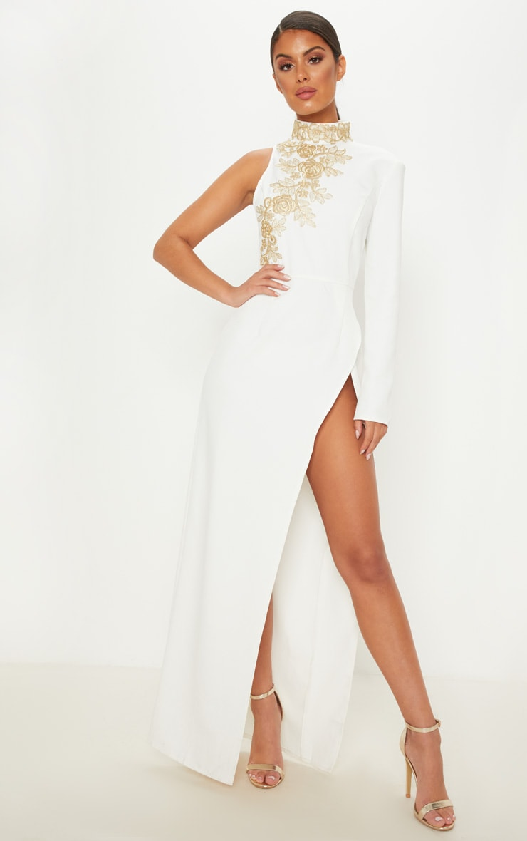 Robe blanche asymétrique à col haut. Robes   PrettyLittleThing FR f46fd357ee54