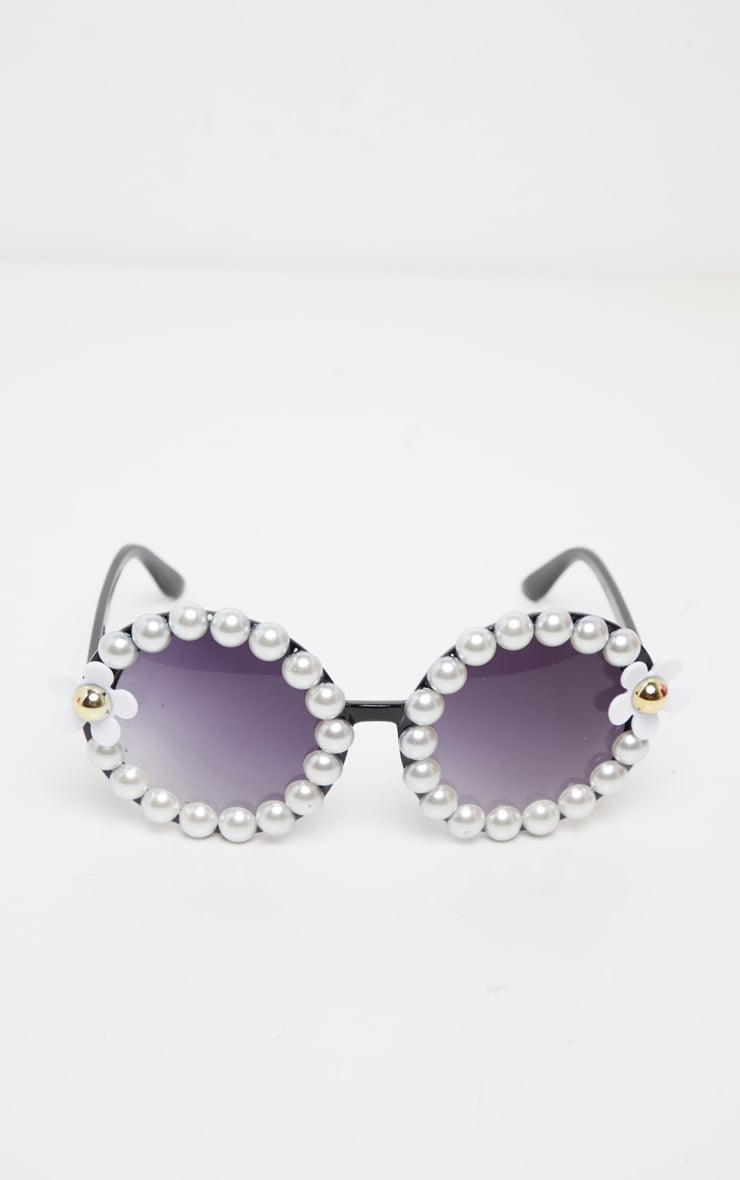 Black Round Pearl And Flower Border Sunglasses 3