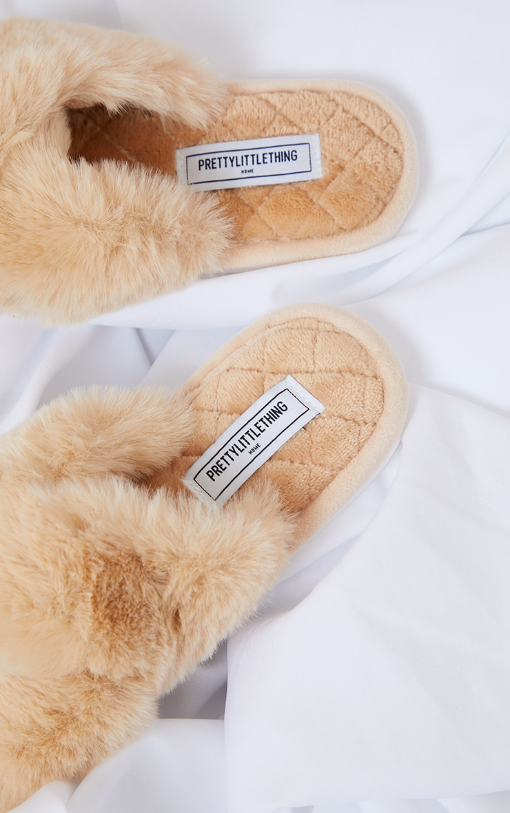 PRETTYLITTLETHING Home Stone Fluffy Cross Strap Quilted Sole Slippers 4