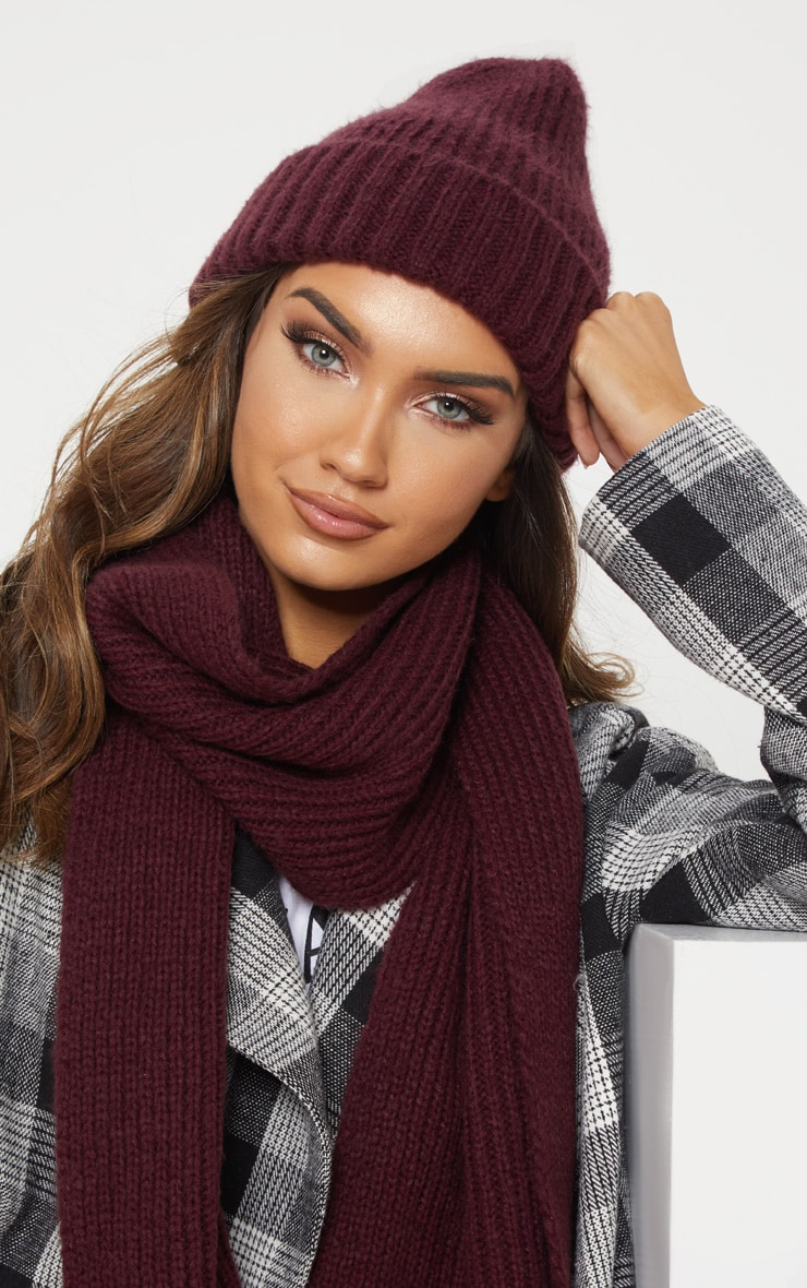 Burgundy Ribbed Knitted Beanie 1