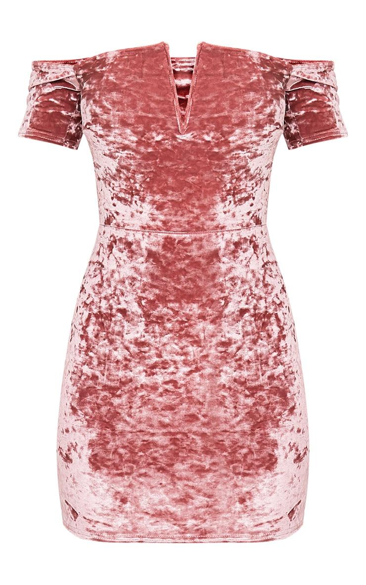 Cinda robe mini bardot rose cendré en velours à décolleté plongeant 3