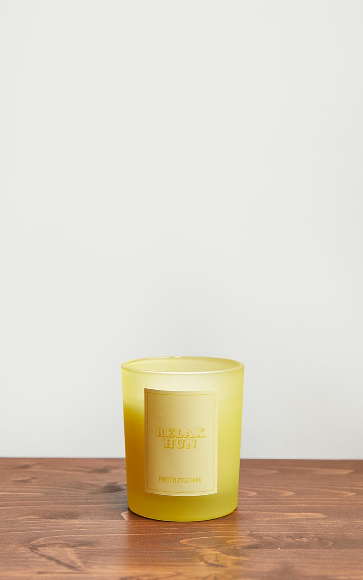 Relax Hun Lemon Scented Candle 3