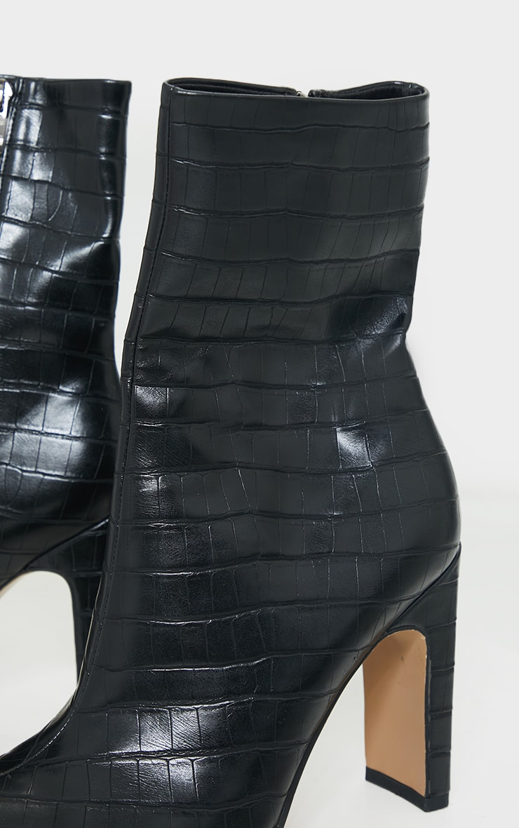 flat high ankle boots