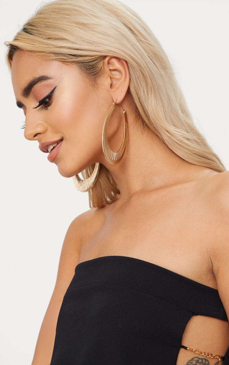 Gold Large Oval Line Detail Hoop Earrings 2