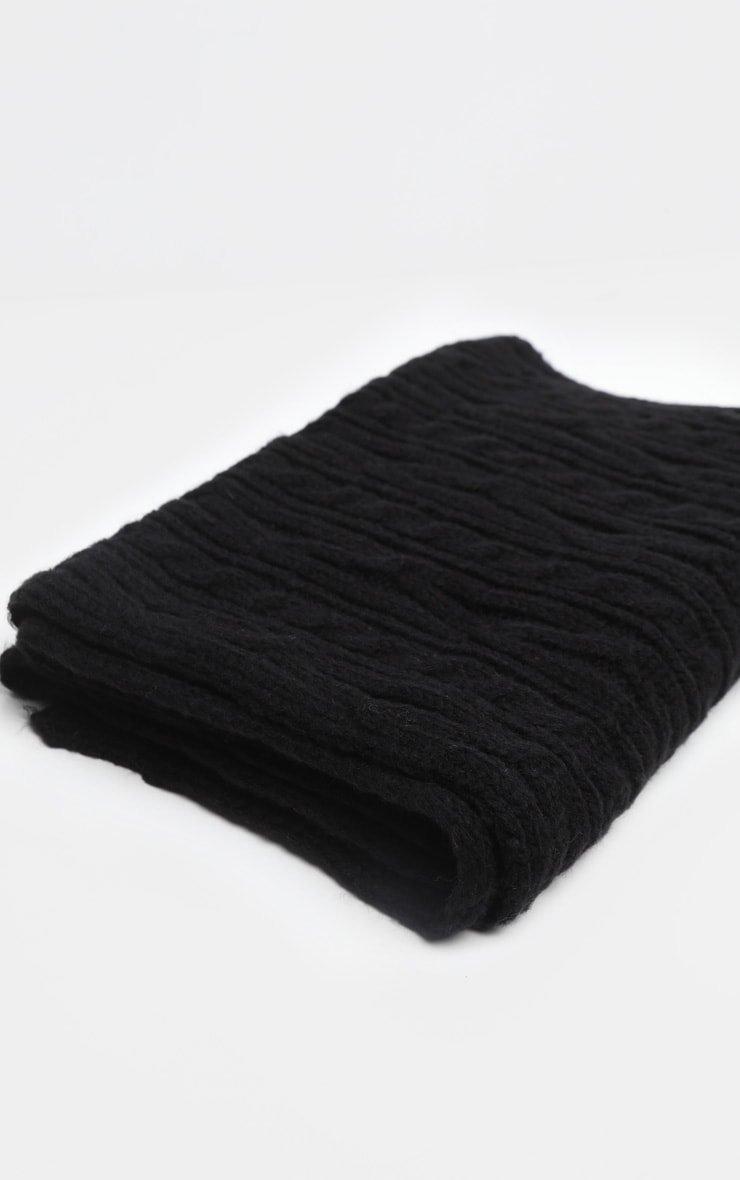 Black Cable Knit Scarf 2