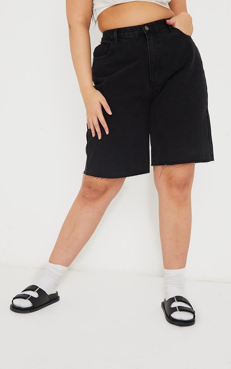 PRETTYLITTLETHING Plus Washed Black Longline Fitted Denim Shorts 2