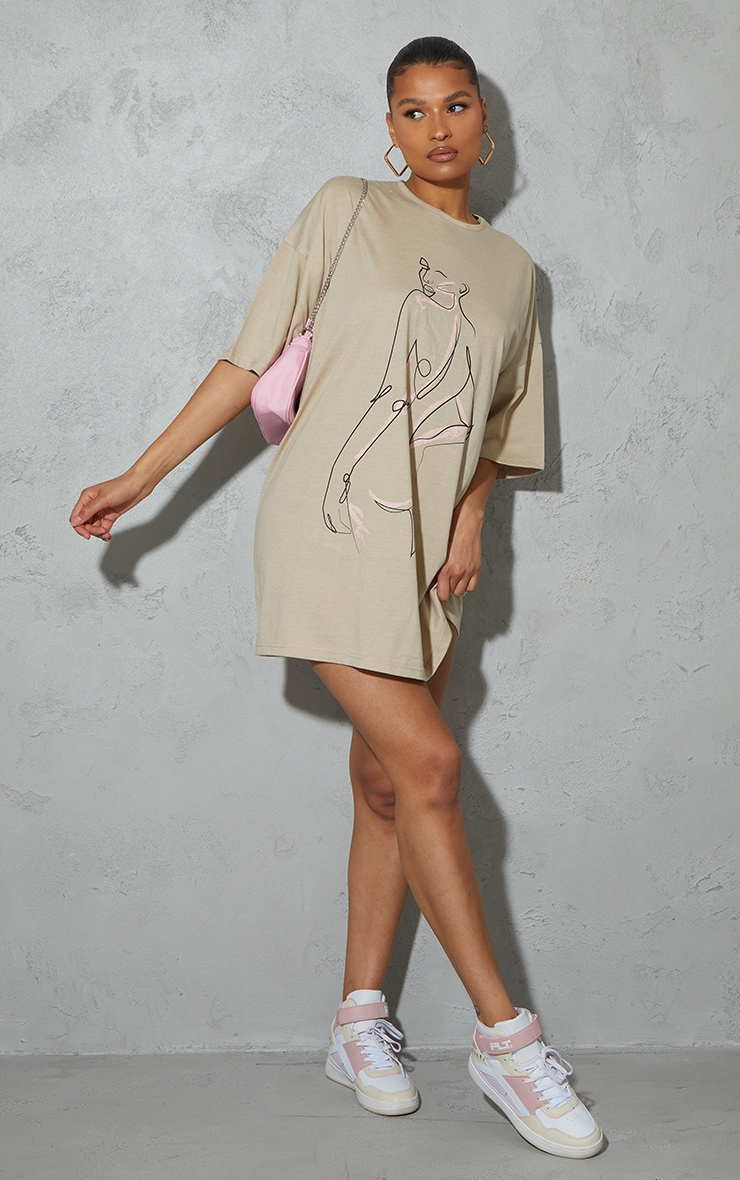 Stone Figure Illustrated Oversized T Shirt Dress 3