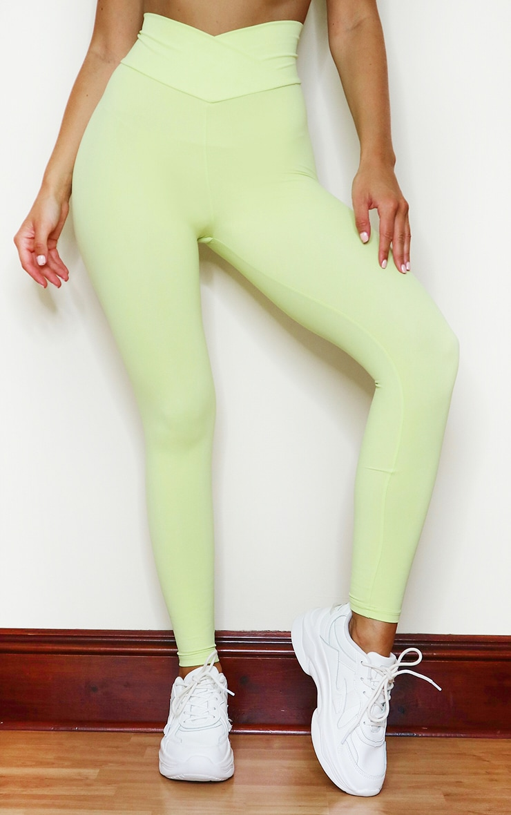 PRETTYLITTLETHING Lime Sculpt Luxe Ruched Bum Gym Legging 2