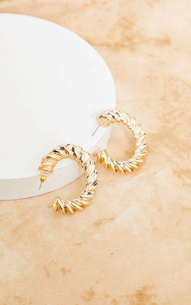 Gold Medium Chunky Ribbed Hoop Earrings 1