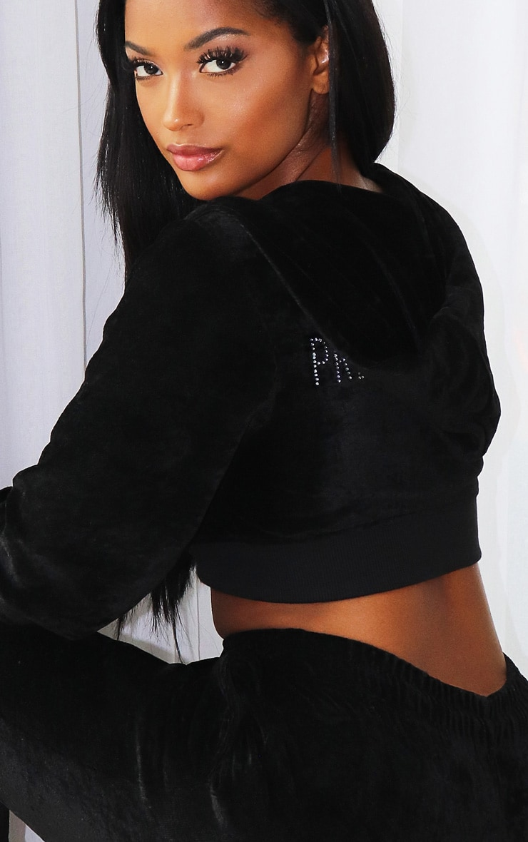 PRETTYLITTLETHING Shape Black Velour Extreme Crop Sweater 4