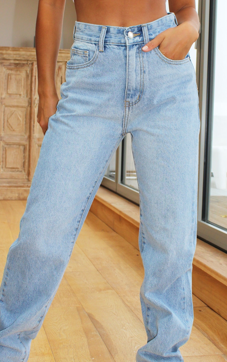PRETTYLITTLETHING Petite Light Blue Wash Long Leg Straight Jeans 4