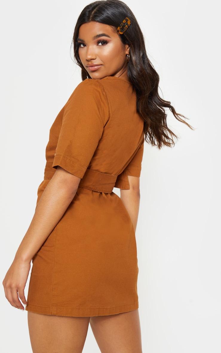 Mini-robe sable en jean avec ceinture à boucle 2
