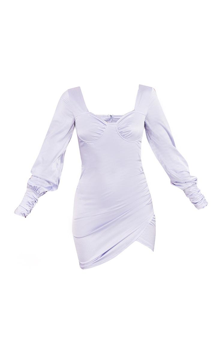 Robe moulante satinée lilas à manches froncées et armatures 5