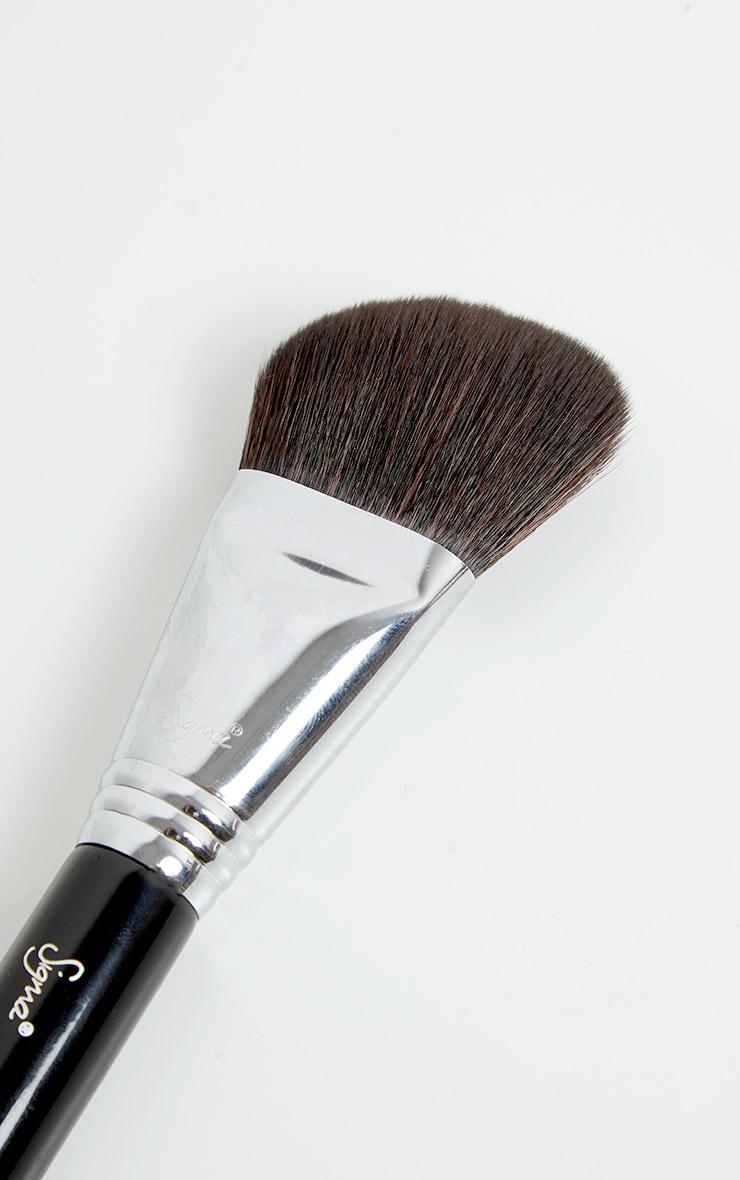 Sigma F23  Soft Angle Contour Brush 2