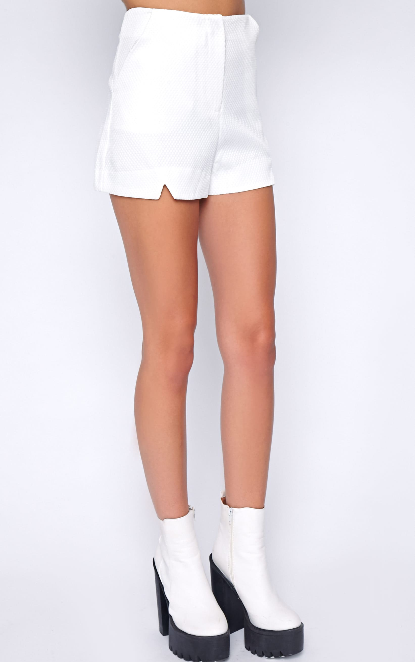 Talia White Textured Short -10 3
