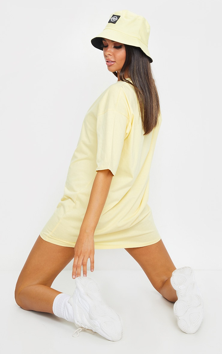 PRETTYLITTLETHING Yellow Slogan Oversized Boyfriend T Shirt Dress 2